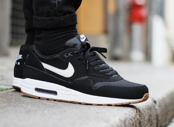 nike air max 1 essential noire